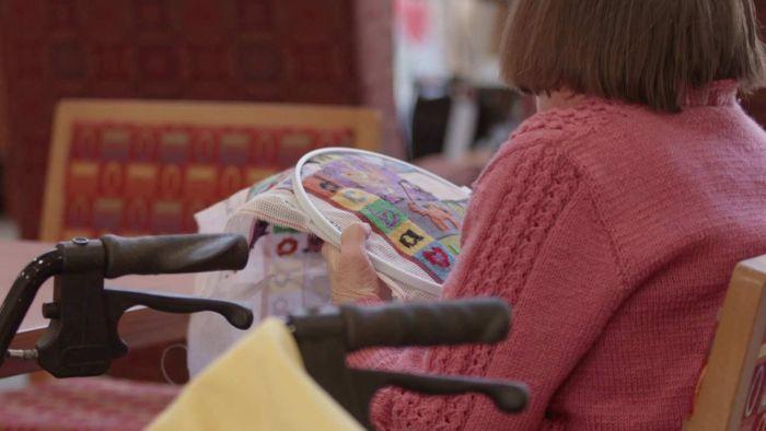 Aged-care facilities ban visitors because of coronavirus pandemic - ABC News (Australian Broadcasting Corporation)